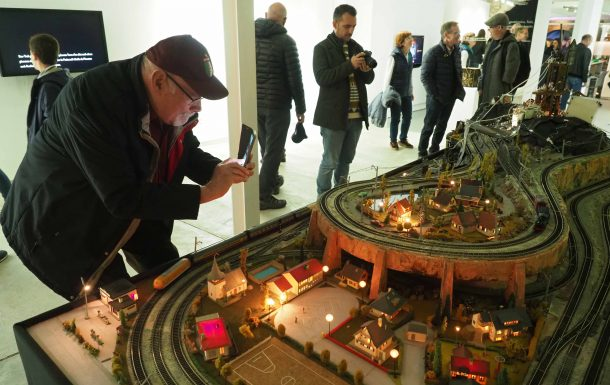 """Exposició: Ultraenergia"""" La joguina elèctrica com a realitat anticipada"""""""