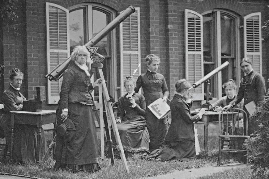 Xerrades - Dia internacional de la dona i la nena en la ciència, el camí de les dones astrònomes