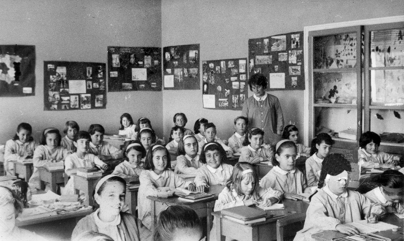 Exposició: Col·loqui amb alumnes que van anar a classe durant el franquisme
