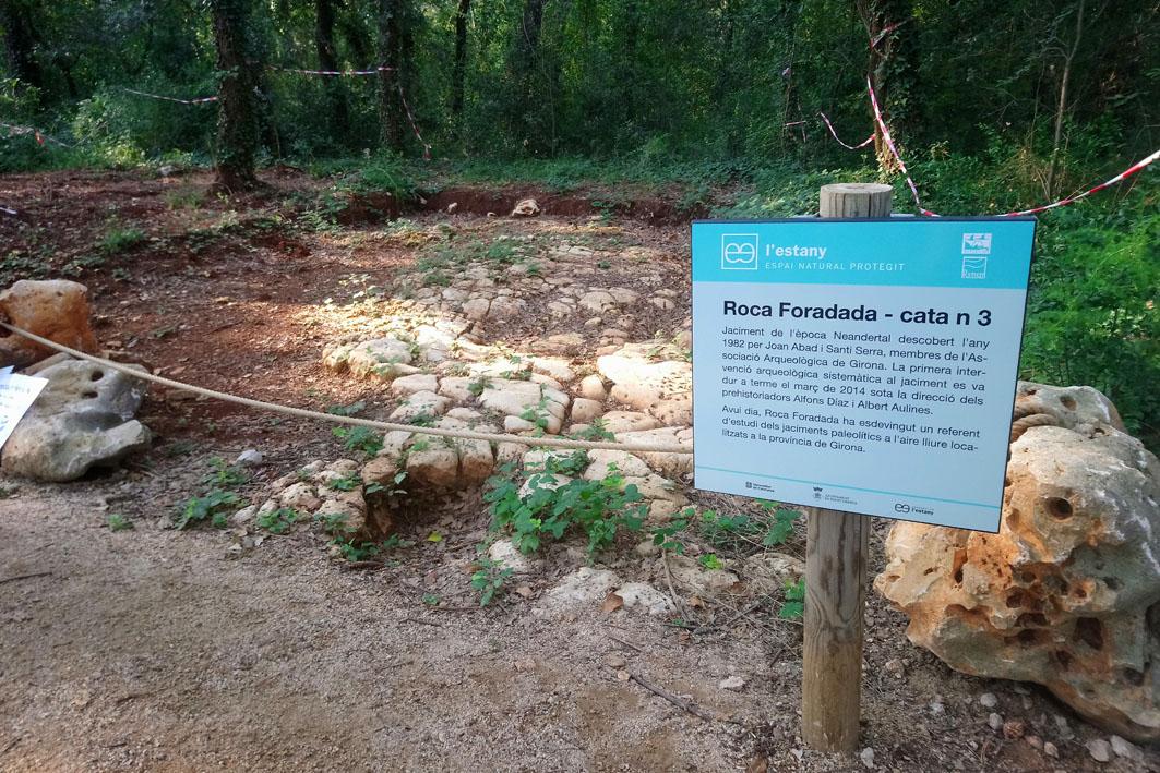"""VII Cicle de Conferències d'Actualitat Arqueològica a les Comarques Gironines - Roca Foradada, l'excel·lència d'un Jaciment Neandertal a l'aire lliure """"Fontcoberta, Pla de l'Estany"""""""