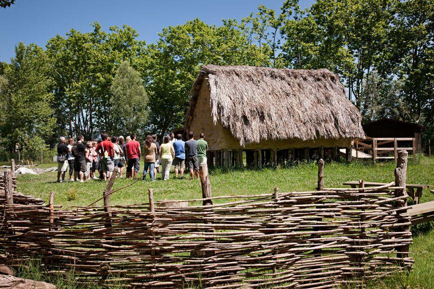 Visita guiada al parc neolític de La Draga