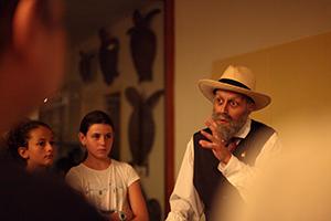 Visita teatralitzada - Anem de nit al museu amb el sr. Darder