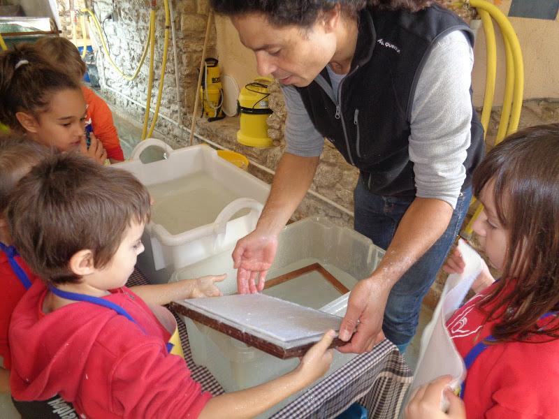 Taller familiar - Viu l'experiència del paper artesanal