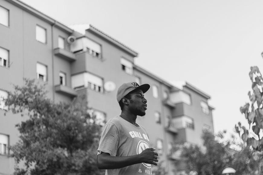 Festival (a)phònica - Daura Mangara + Documental: Negre de merda