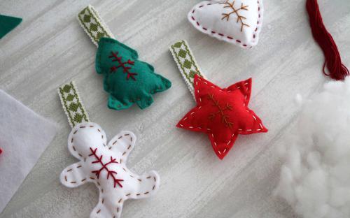 Matins Verds- Taller infantil Fira de Nadal - Ornaments nadalencs