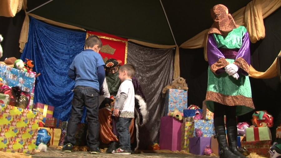 Arribada dels Patges Reials i recollida de cartes a Sant Miquel de Campmajor